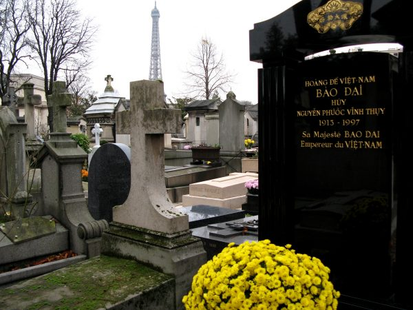 Passy cemetery with Eiffel tower in the background