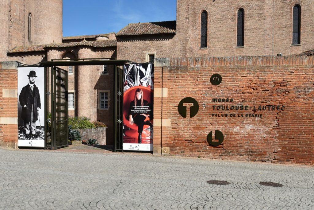 Albi Travel: Toulouse Lautrec Museum