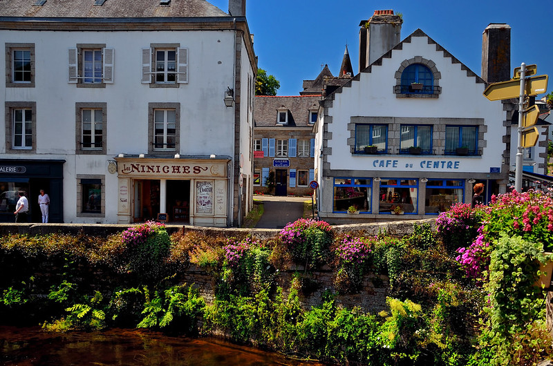 Places to See in Brittany: Pont Aven